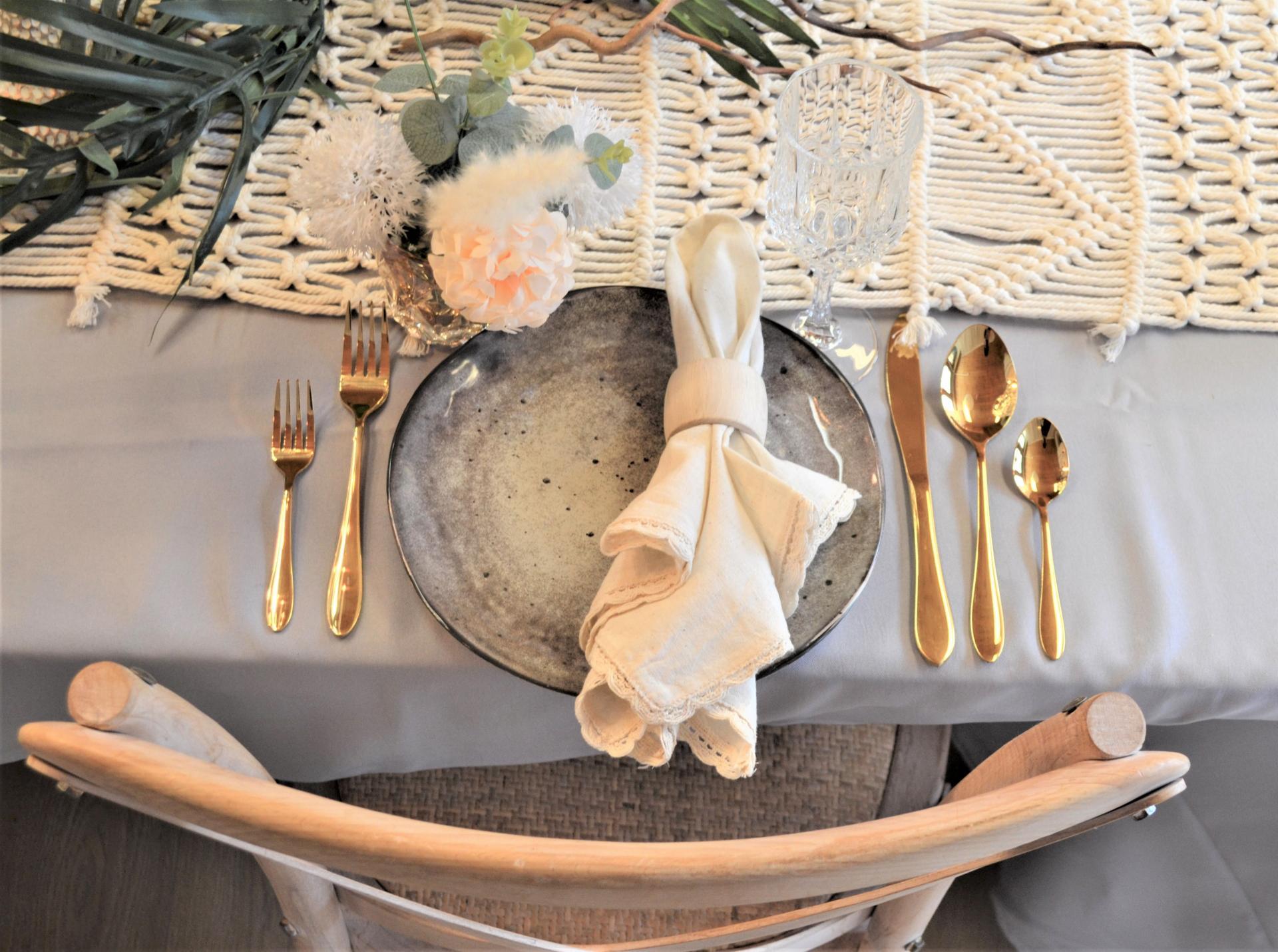 Location valais Cuisine vaiselle mobilier